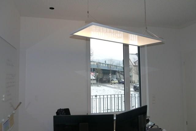Großflächiges Licht für optimale Arbeitsatmosphäre dank der Lichtplanung Freiburg