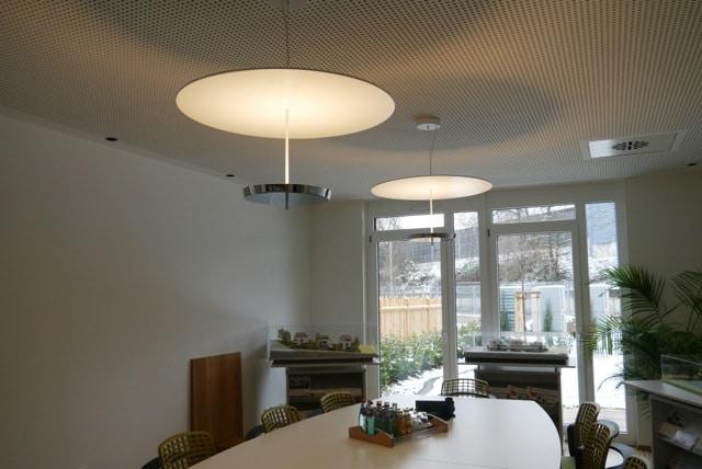 Designerleuchten von Lichtraum für den Konferenzsaal