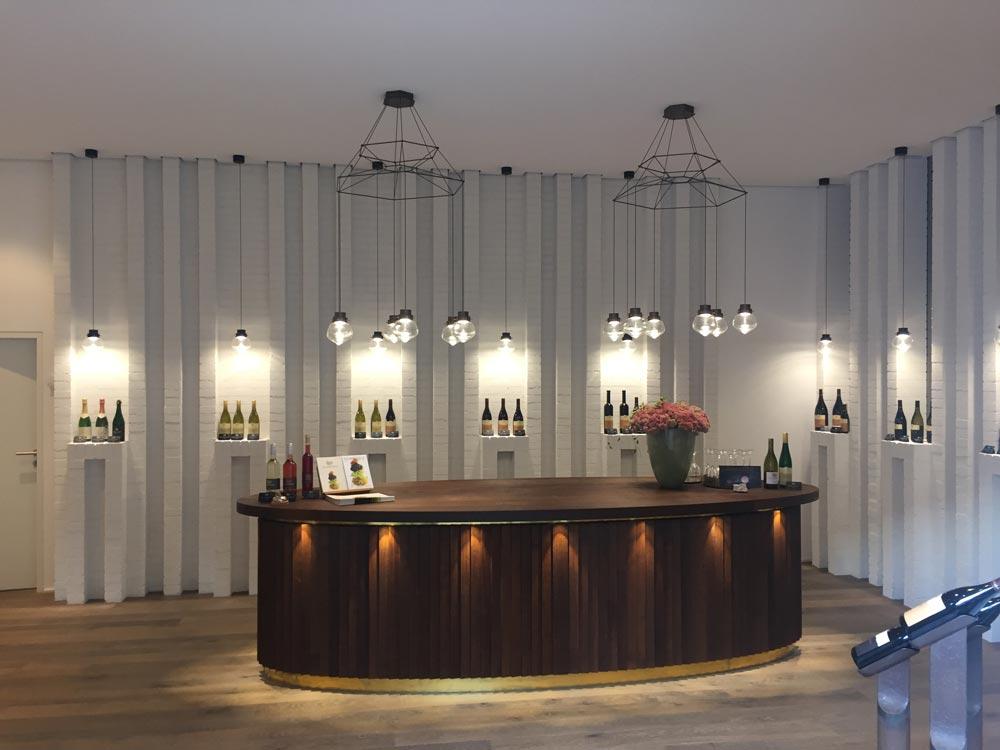 Wein perfekt in Szene gesetzt - Lichtausstellung Freiburg