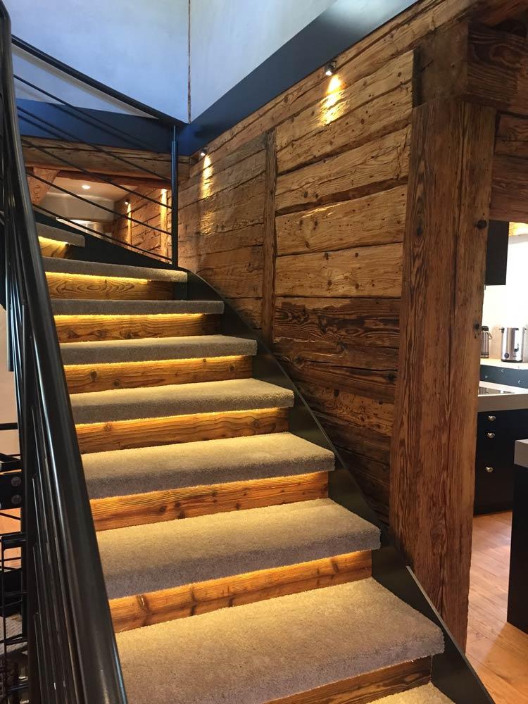 Lichtelemente sorgen für Veredelung der Treppenstufen