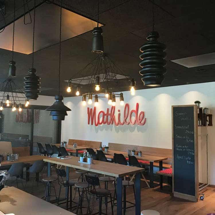Lichtraum Beleuchtung im Cafe Mathilde