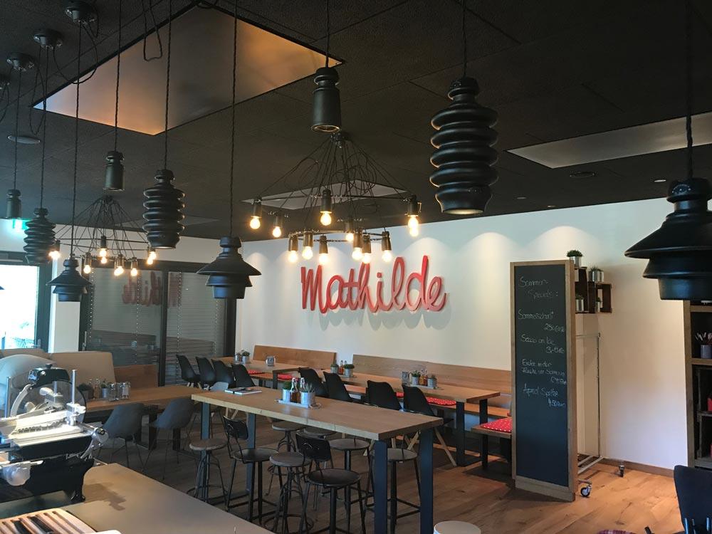 Dekorative Beleuchtung im Cafe Mathilde