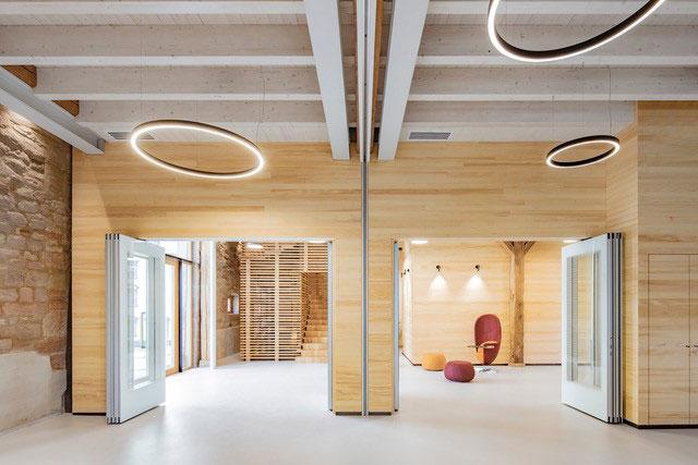 Angenehme Innenräume dank Designerleuchten aus Freiburg von Lichtraum