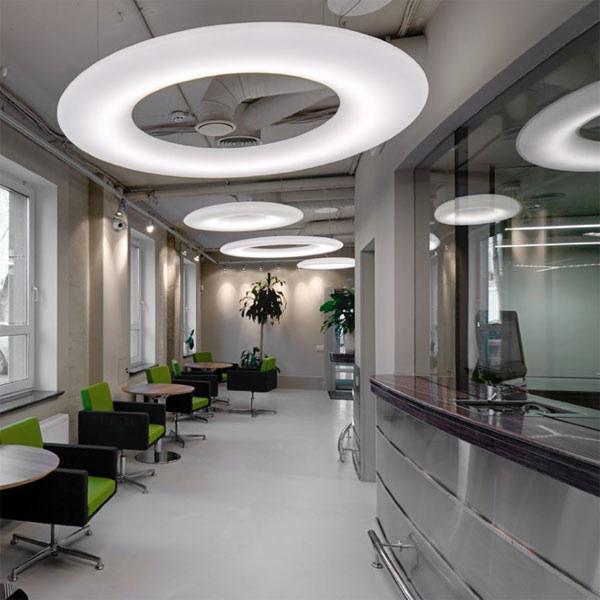 Moderne Designbeleuchtung im Büro von Lichtraum Freiburg