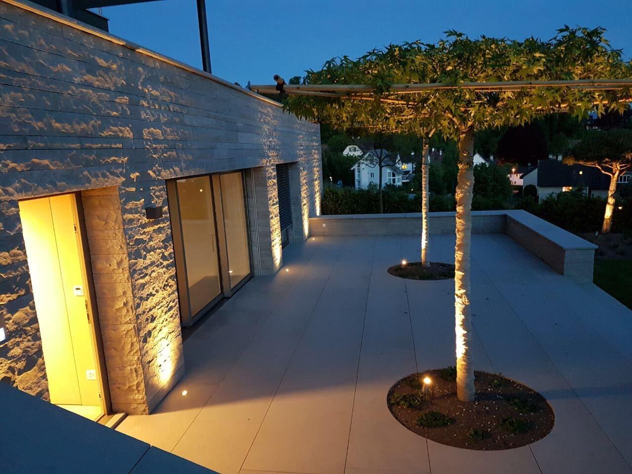 Terrasse im malerischen Licht