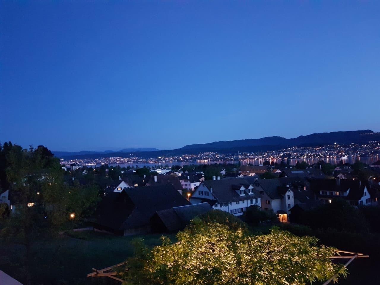 Objekt Zürich mit Außenbeleuchtung
