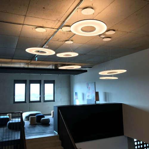 Runde Deckenlampe Verso Fitness Lichtraum Freiburg