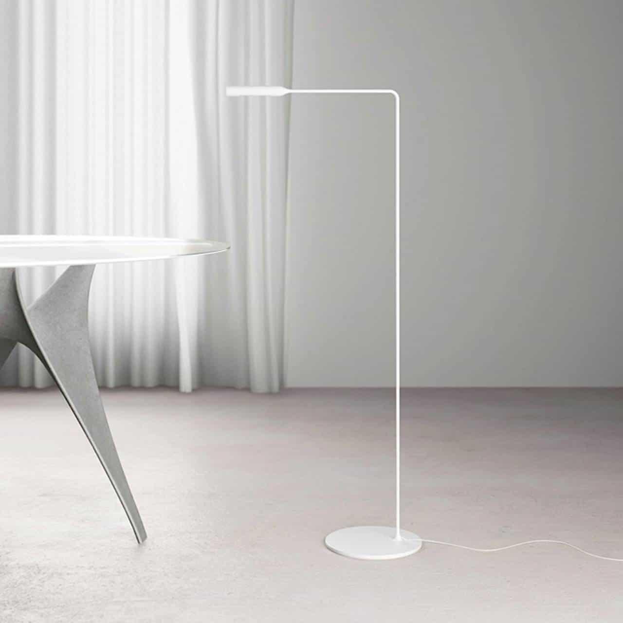 Stylische Designer Stehlampe bei Lichtraum Freiburg