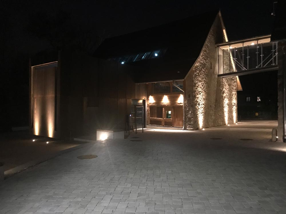 Aussenbeleuchtung der Talvogtei bei Nacht