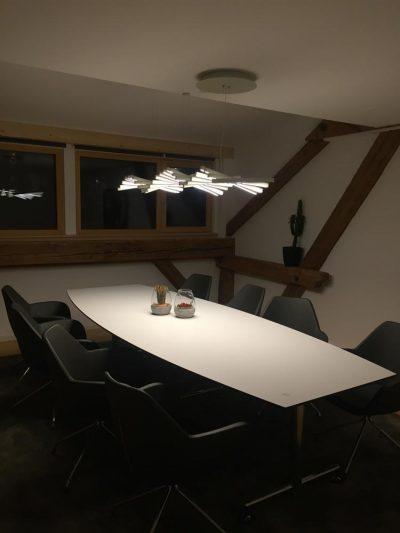 Hängelampe für ein harmonisches Licht am Tisch